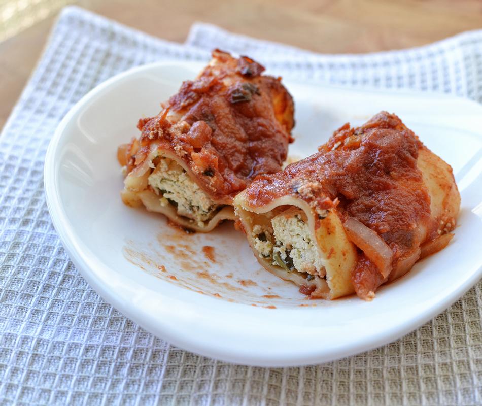 קנלוני במילוי גבינת סויה ברוטב עגבניות