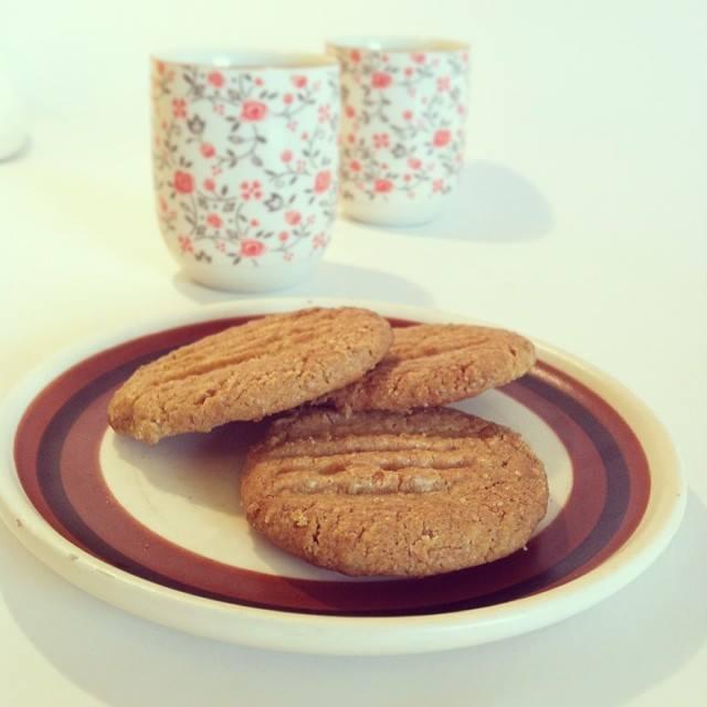 עוגיות חמאת בוטנים טבעוניות