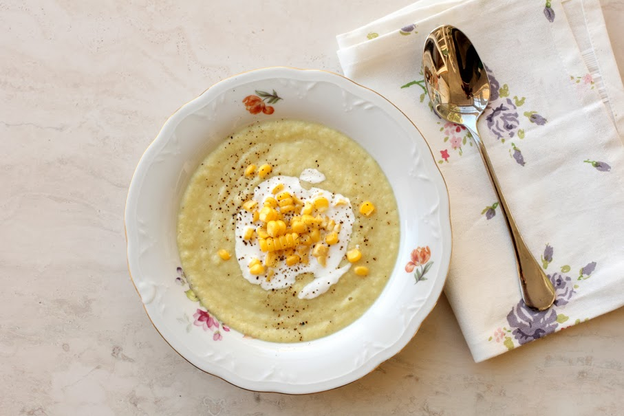 מרק כרובית עם גרעיני תירס טריים