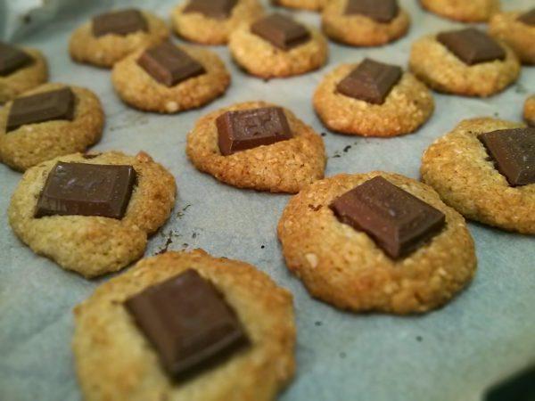 עוגיות שיבולת שועל, קוקוס וחתיכות שוקולד