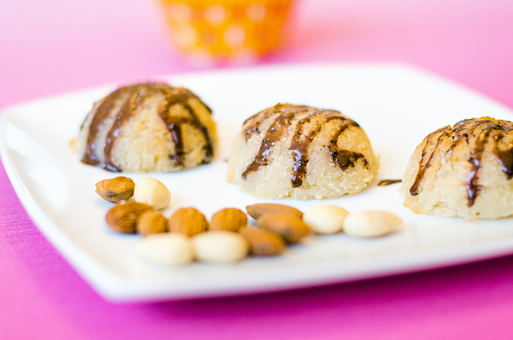 עוגיות קוקוס עם שקדים טחונים