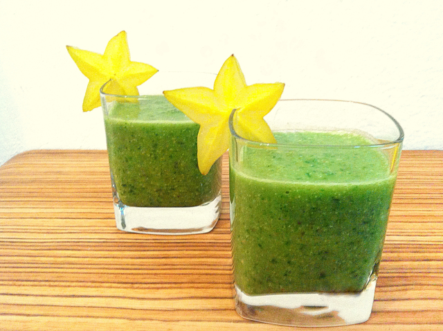 starfruit-smoothie-vegan-green-smoothies-by-yaeli-shochat-1