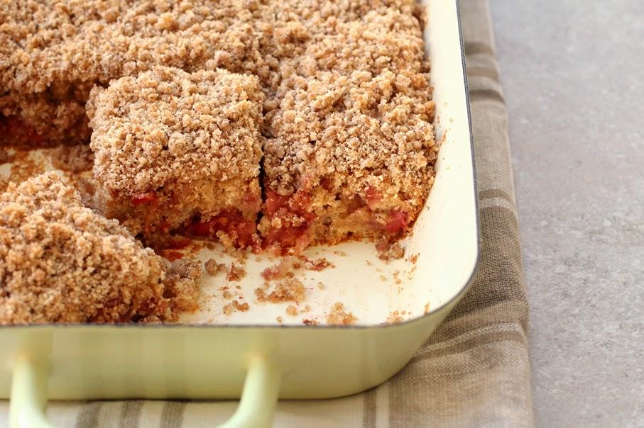 עוגת תותים פירורים