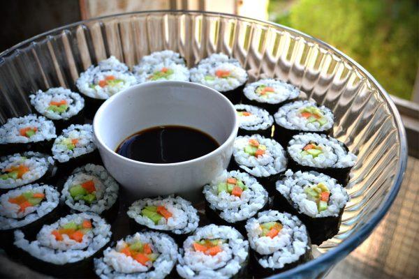 סושי יפני