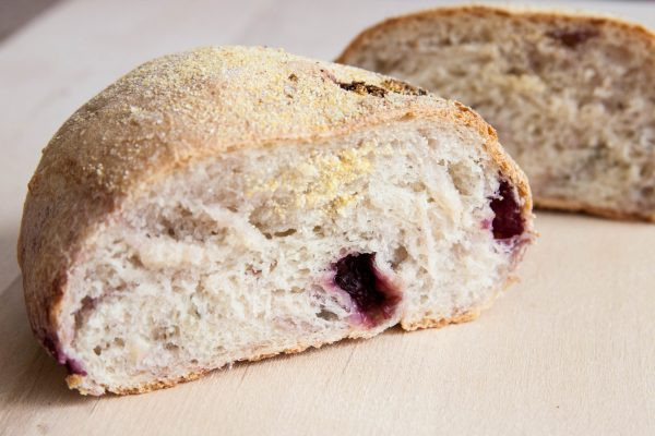לחם דובדבנים