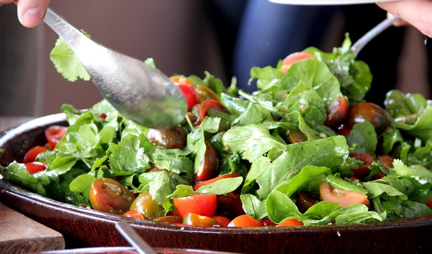 מתכון לסלט עגבניות ורוקט