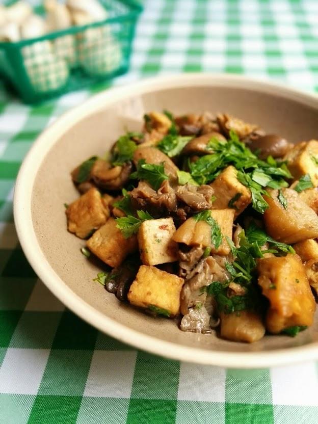 תבשיל פטריות טבעוני