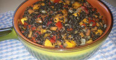 עדשים שחורות עם בטטה