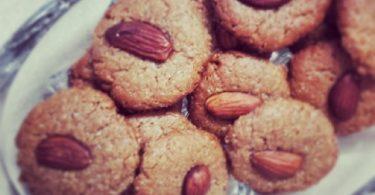 עוגיות בוטנים ושקדים