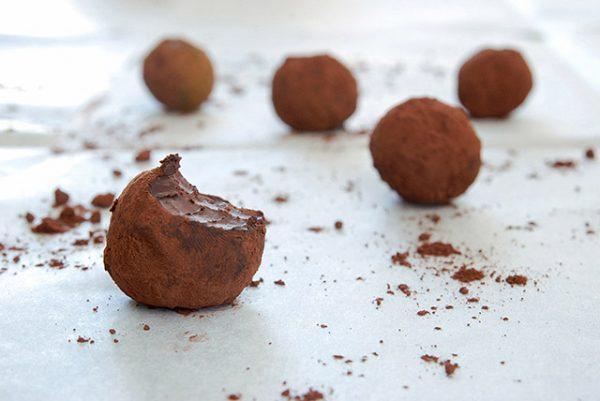 טראפלס שוקולד-שקדים