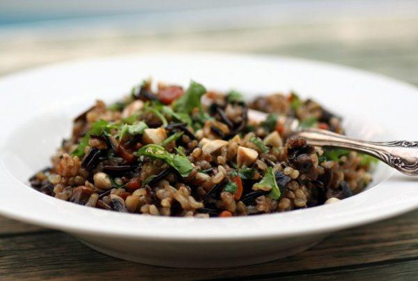 תבשיל אורז מלא וירקות