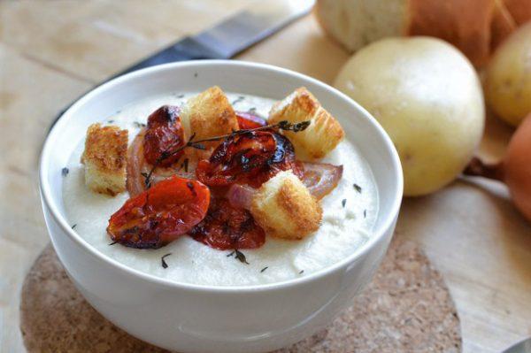 מרק תפוחי אדמה וכרובית