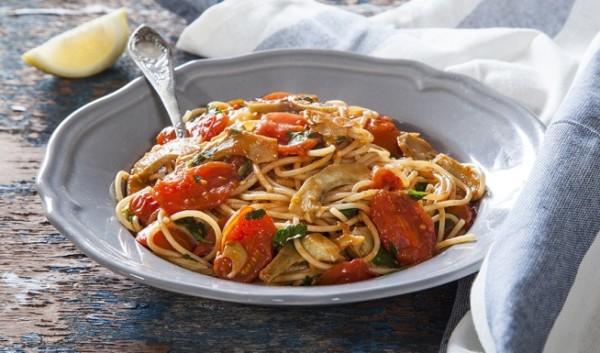 ספגטי ברוטב עגבניות וארטישוקים