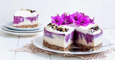 עוגת גבינה טבעונית עם אוכמניות