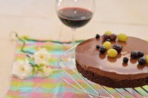 עוגת שוקולד ויין טבעונית