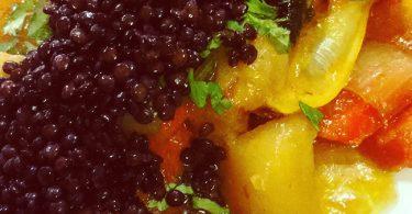 ירקות שורש ועדשים שחורות
