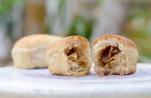 ככר לחם ממולאת בבצל וערמונים