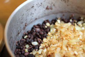 תבשיל שעועית שחורה2