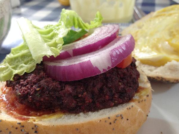 המבורגר טבעוני משישה מרכיבים