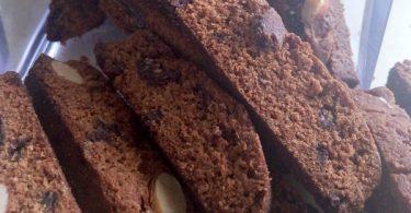 ביסקוטי שוקולד ואגוזים