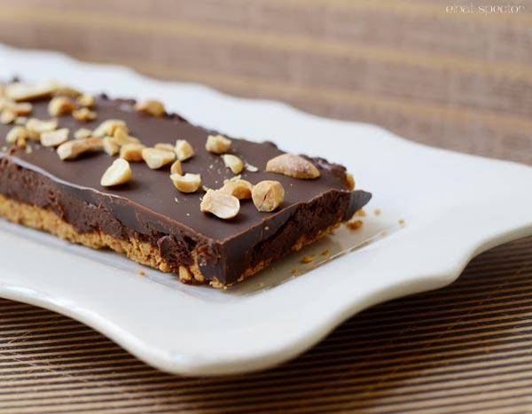 פאי מוס-שוקולד וחמאת בוטנים