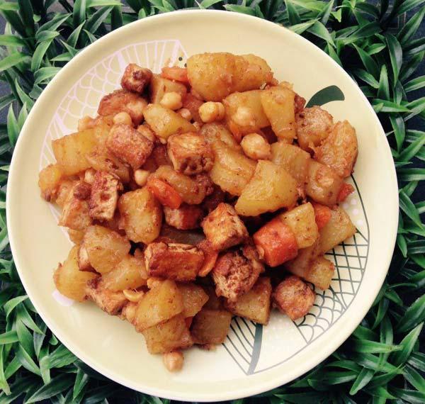 תבשיל טופו ותפוחי אדמה