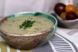 מרק כרובית ותפוחי אדמה עם קוקוס