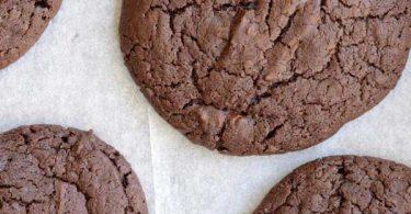 עוגיות שוקולד ענקיות