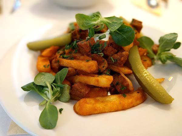 תבשיל סייטן הונגרי עם תפוחי אדמה