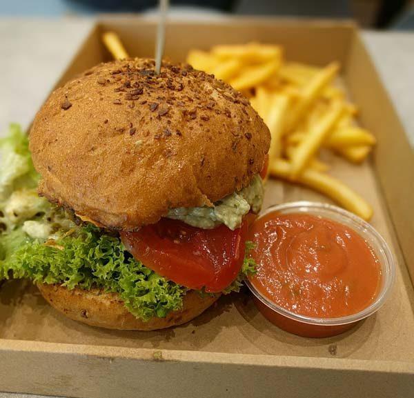 המבורגר טבעוני מקסיקני ב vegan love בודפשט