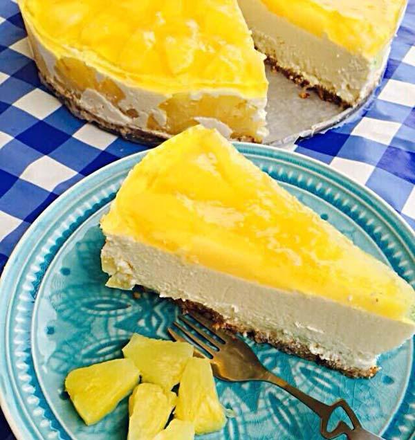 עוגת גבינה טבעונית בטעם פינה-קולדה
