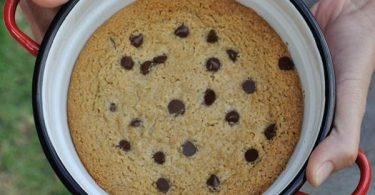 עוגיית מחבת של שקדים ומייפל