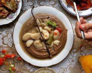 מסבחה פול מצרי ושעועית לימה של מסעדת זכאים
