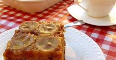 עוגת בננות הפוכה בסירופ קרמל