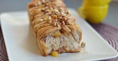 עוגת שמרים במילוי תפוחים