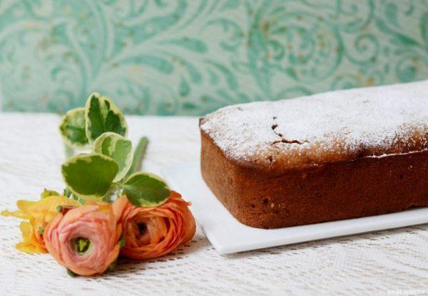 עוגת שקדים ודובדבני אמרנה