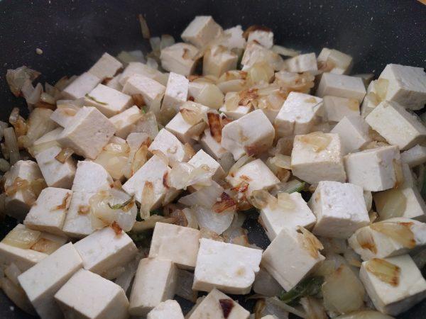 תבשיל טופו בסגנון מרוקאי