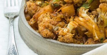 אלו גובי – תבשיל כרובית ותפוחי אדמה